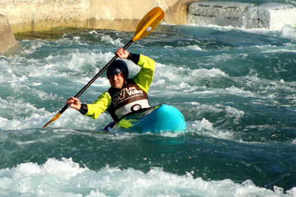 Daniel Murray paddling at Lee Valley